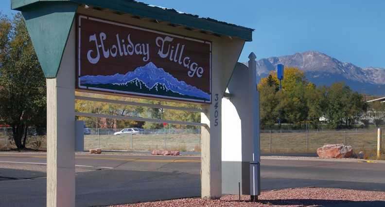Holiday Village - Colorado