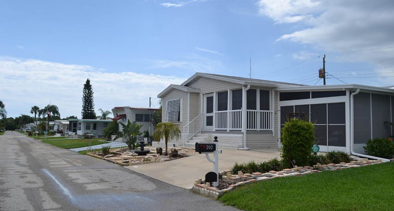 Lake Village Mobile Homes In Nokomis FL
