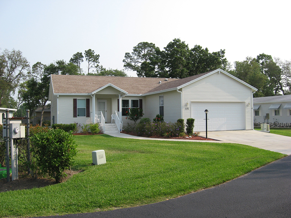 Mid Florida Lakes Retirement Mobile Home Community 55